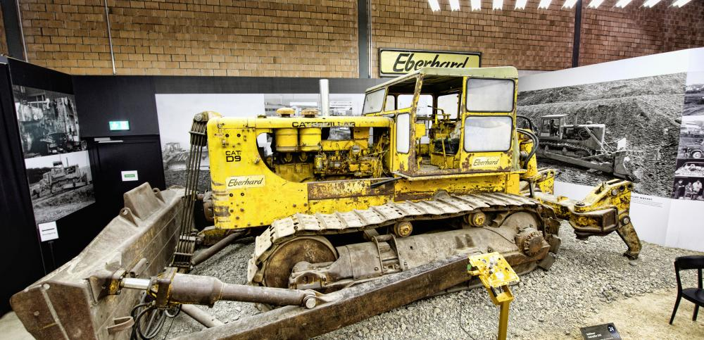 Exponate Caterpillar D9